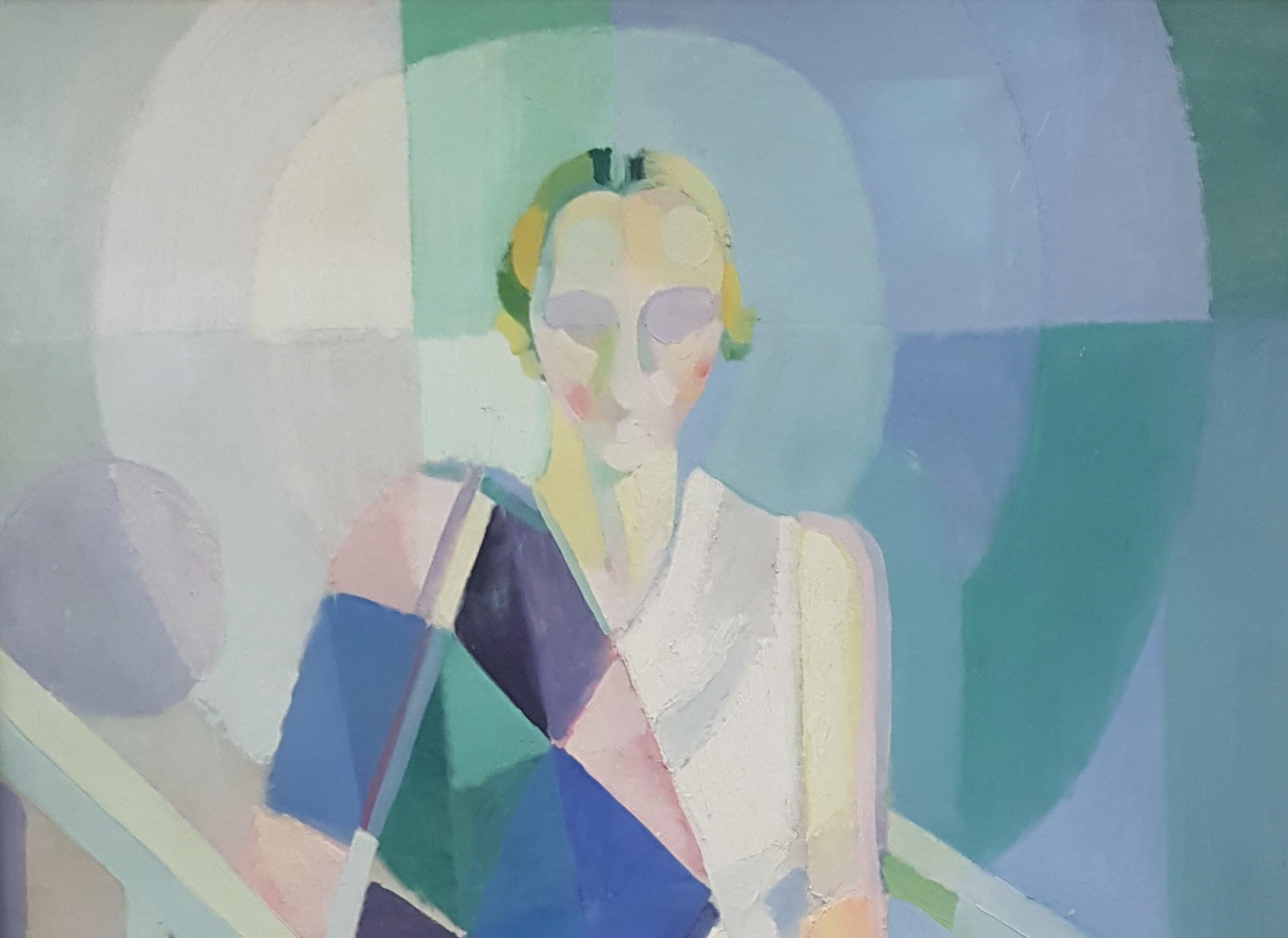 Peinture aux teintes pastel représentant une femme assise, vêtue d'une robe blanche et portant un châle multicolore sur son épaule droite